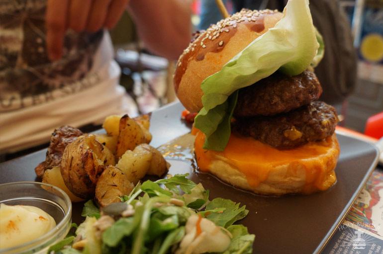 """La Dinette Burger Classic 106 """"puissance4"""""""
