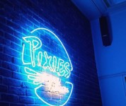 Pixies - le logo en néon